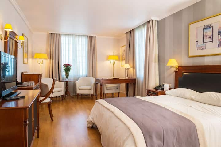 Superior Room at Theoxenia Palace***** in Kifissia