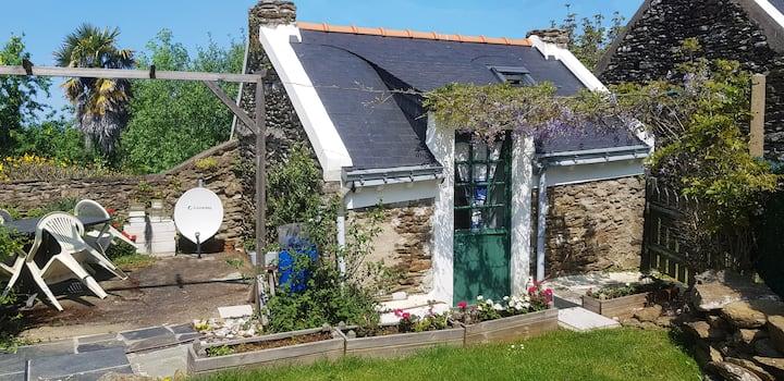Belle Ile, Bordilla : Maisonnette avec jardin