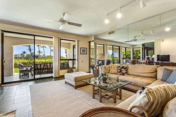 Gorgeous condo w/ shared pool/hot tub & on-site tennis - awesome views!