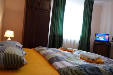 Уютная 1к. квартира в центре - Мукачево