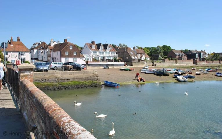 Lovely property with sea view! - Emsworth