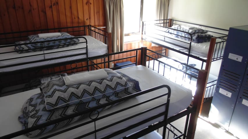 6 Bed Bunk Private - YHA Te Anau