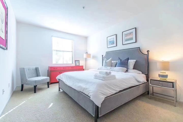 Irvine private two bedrooms apartment