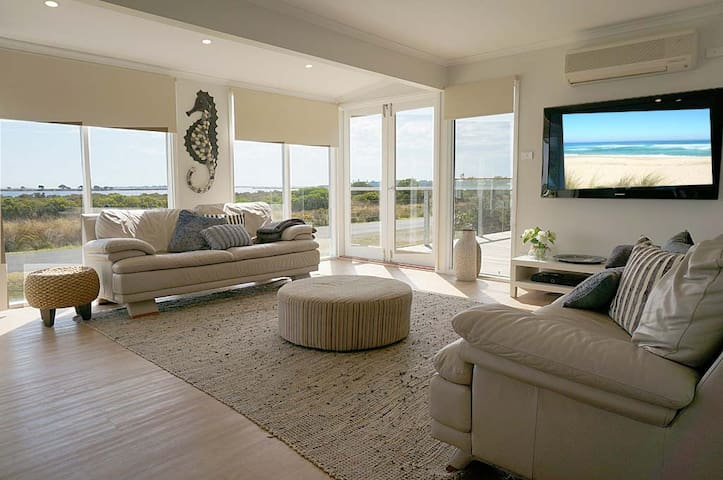 BAYVIEW HIDEAWAY- Opposite Swan Bay - Queenscliff - Casa