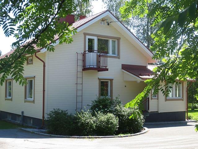 Tenkala, 3-kerroksinen puutalo - Jämsä - Huis