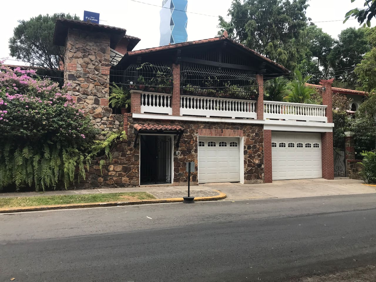 HOUSE # 1, Bella Vista:  a very special colonial residence, typical of the Bella Vista Style, very near supermarket, restaurants and public transportation.