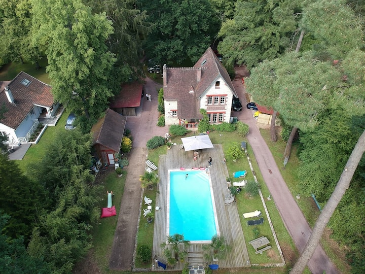 LAMORLAYE  CH SDB COTTAGE ANGLO-NORMAND  PISCINE