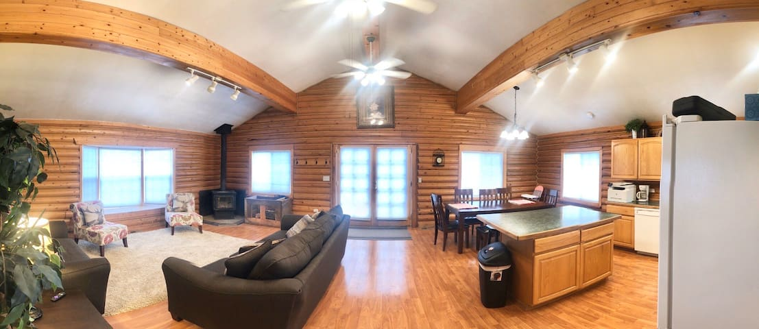 ⭐Perfect Rest! WiFi, SmartTV, Wood stove , 6 Beds⭐