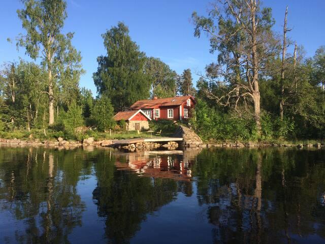 great lakeside house, sauna! / Traumlage Halbinsel