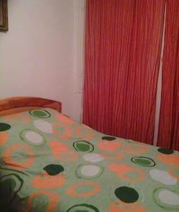 chambres dans une villa à proximité de Tunis