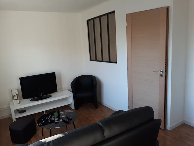 -T2 COSY- CONCARNEAU CENTRE BALCON PARKING PRIVE