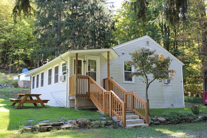Spruce Run Woodbury Home (Woodbury Commons)