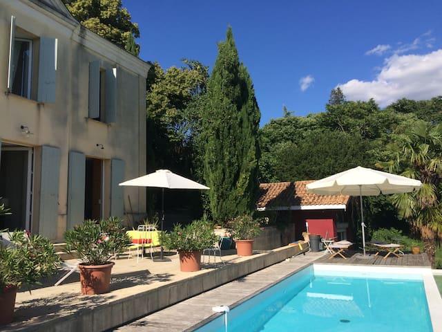 maison avec vue, piscine  20 mn Bdx - Cubzac-les-Ponts - Haus