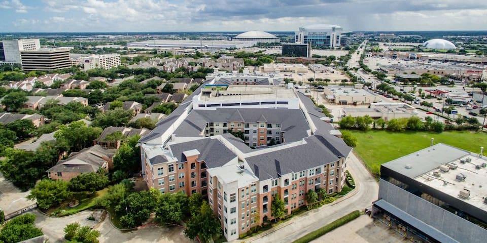 Houston TMC luxury apartment rent
