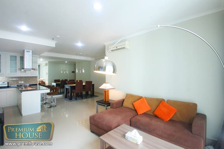 Pondok Indah - 3 Bedroom Apartment - Cilandak - Apartment