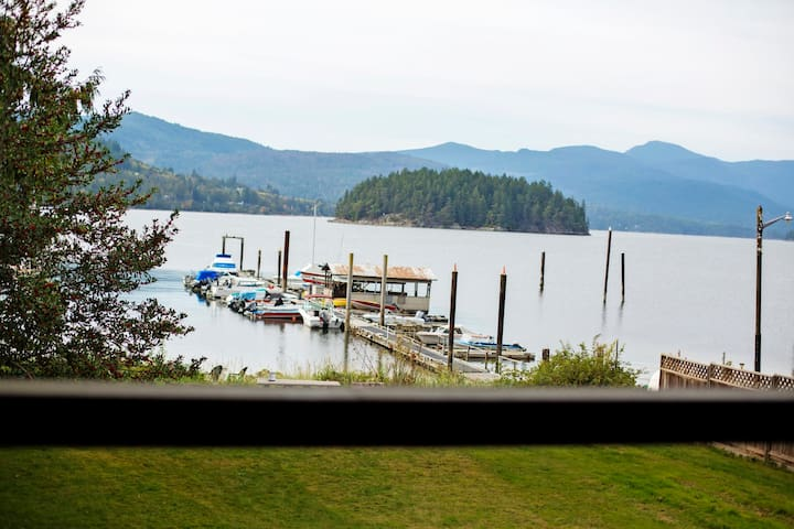 Large Waterfront Suite in Sechelt - Sechelt - Appartement