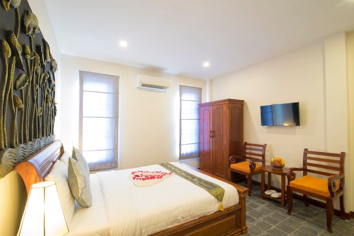 Walking Distance: Private Deluxe Room - Krong Siem Reap - Apartament