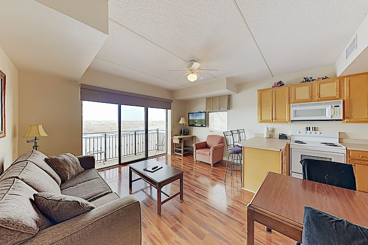 New Listing! Walkable Historic District Condo