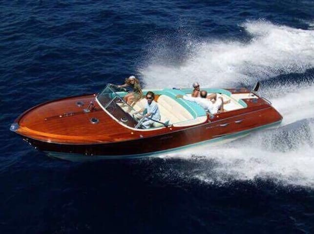 Book the Riva Acquarama and you will be in a film!