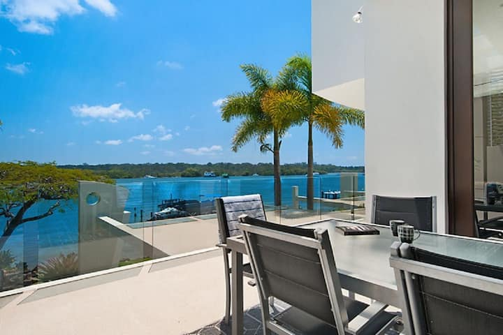 Outstanding and Spacious Waterfront Apartment