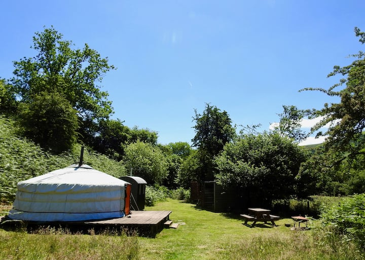 Moonlight Yurt with wood buring hot tub