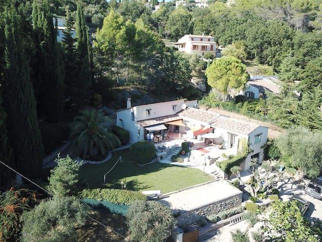 Beautiful Villa close to the village of Montauroux