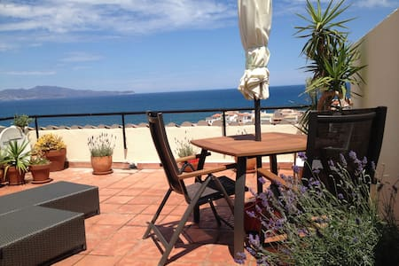Fab view Penthouse, Pool&Beach, terrace, garage,AC - L'Escala - Huoneisto