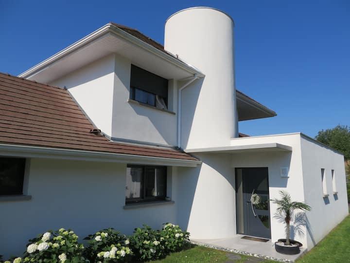 Belle villa spacieuse, lumineuse et confortable,
