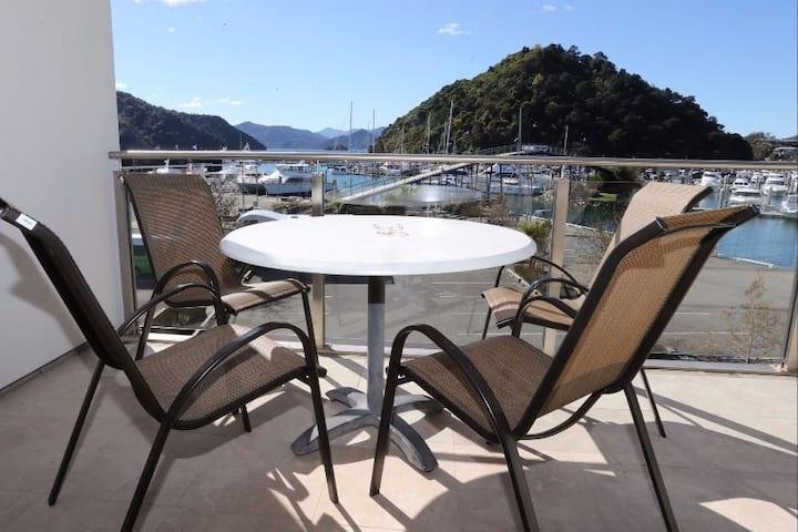 Luxury Waterfront Dockside Apartment #6