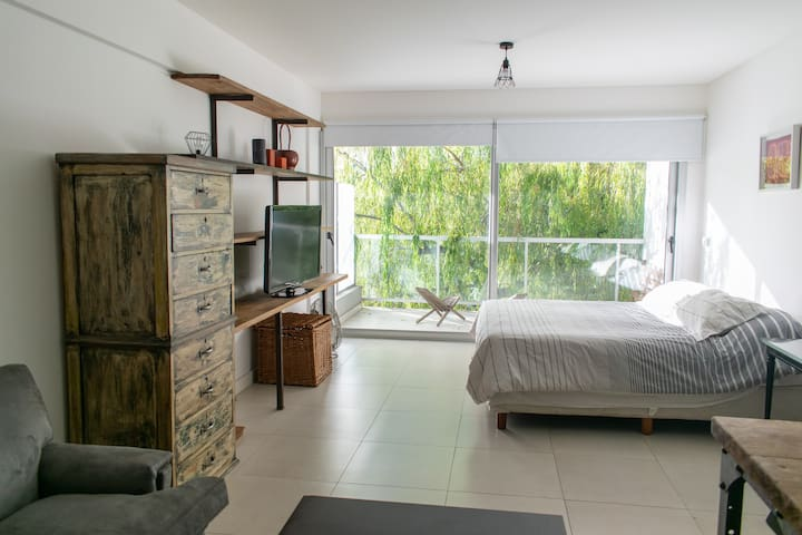 High design studio with great location in Nuñez