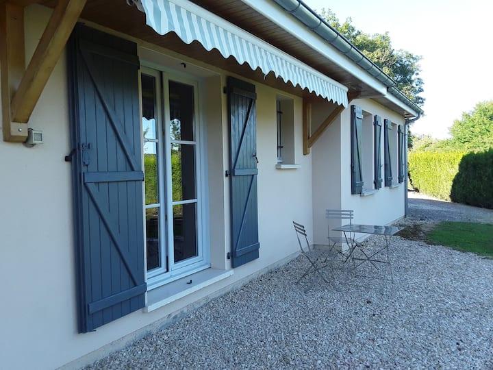 Maison au bord du lac de la Mouche