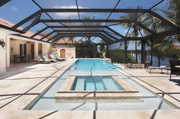 Wischis Florida Vacation Home - Coconut Dream in Cape Coral