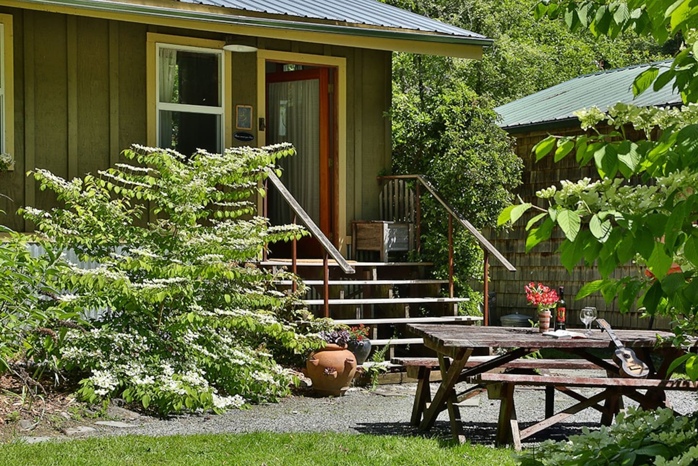 Enjoy alone time in a private county Cabin. The Cabin is a short drive to nearby towns, vineyards and restaurants.