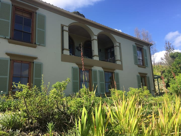 Family home in Knysna with views of the Heads