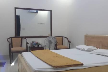 room 03