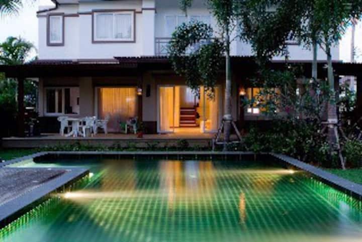Baan Kinnarie - Cozy Family Home - Phuket Island