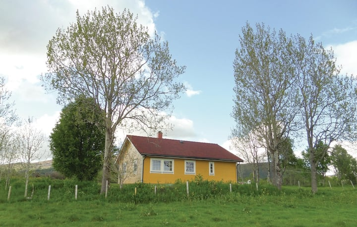 Holiday cottage with 2 bedrooms on 90m² in Sortland