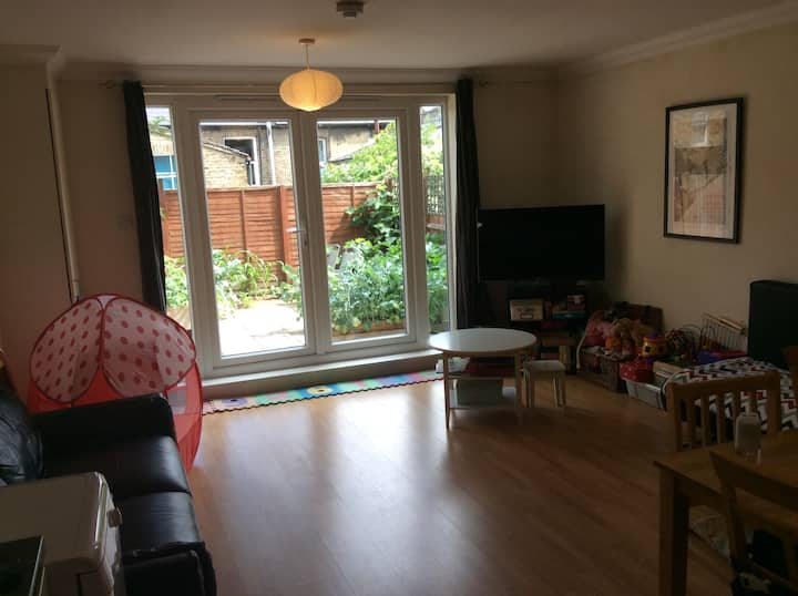 2 Bedroom flat with garden in south London