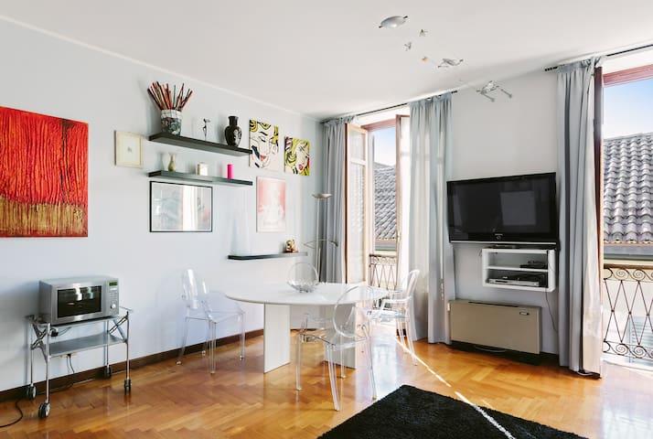 Gorgeous apartment near Duomo