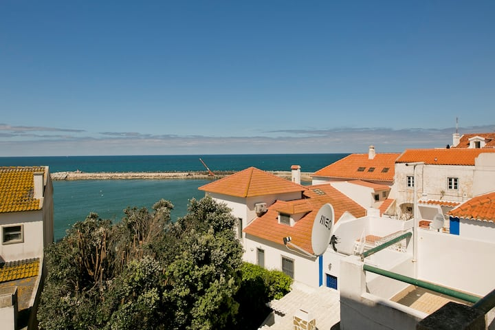 Over The Ocean- In the heart of Ericeira