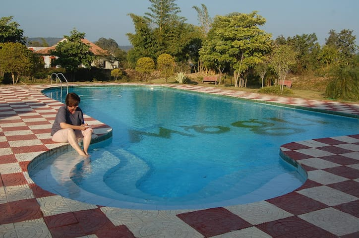 MOGLI RESORTS, KANHA