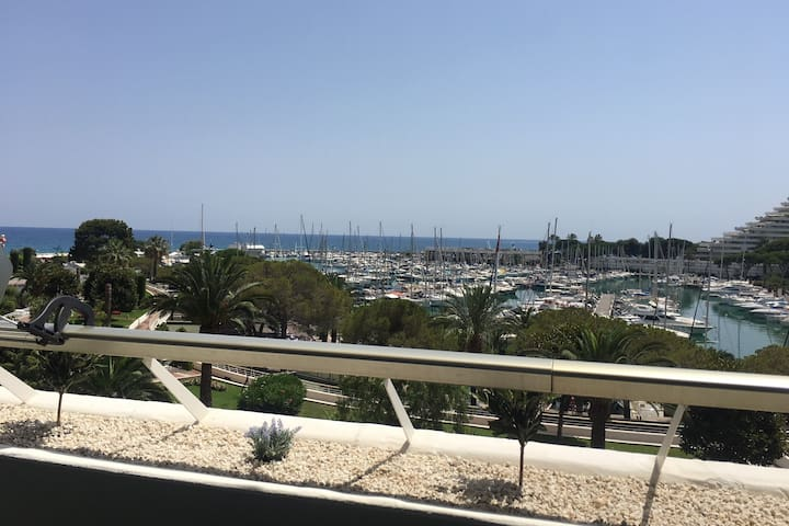 ❤ Marina Baie des Anges  - 4 couchages - Parking ⛱