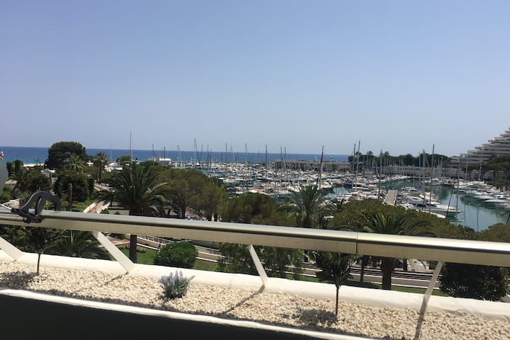 ❤ Marina Baie des Anges  - 4 couchages - Vue mer ⛱