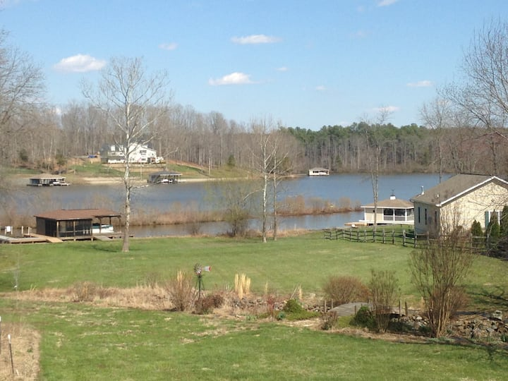 Lake Anna Waterfront Guest House! The Stangri-La