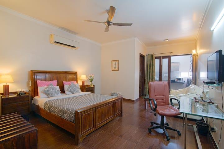 Studio Apartment w kitchen @ Central Gurugram