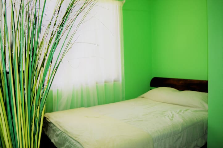 Independent Cozy Apartment 10 min away the Airport - Ulloa - Apartment