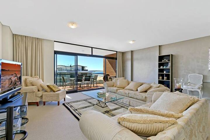 Crystal Views 24 - The Entrance - Apartamento