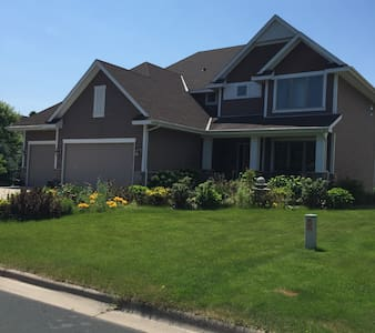 Excecutive Living - Shoreview - Ev