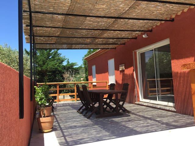Belle villa De85m2 dans grd Avignon - Rochefort-du-Gard - House