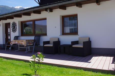 Bungalow in der Tiroler Bergwelt - Fügen